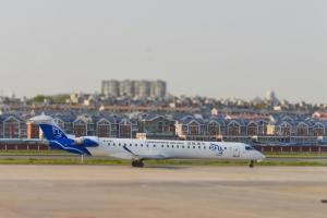 DSC_7657 (CRJ900)PS 2h